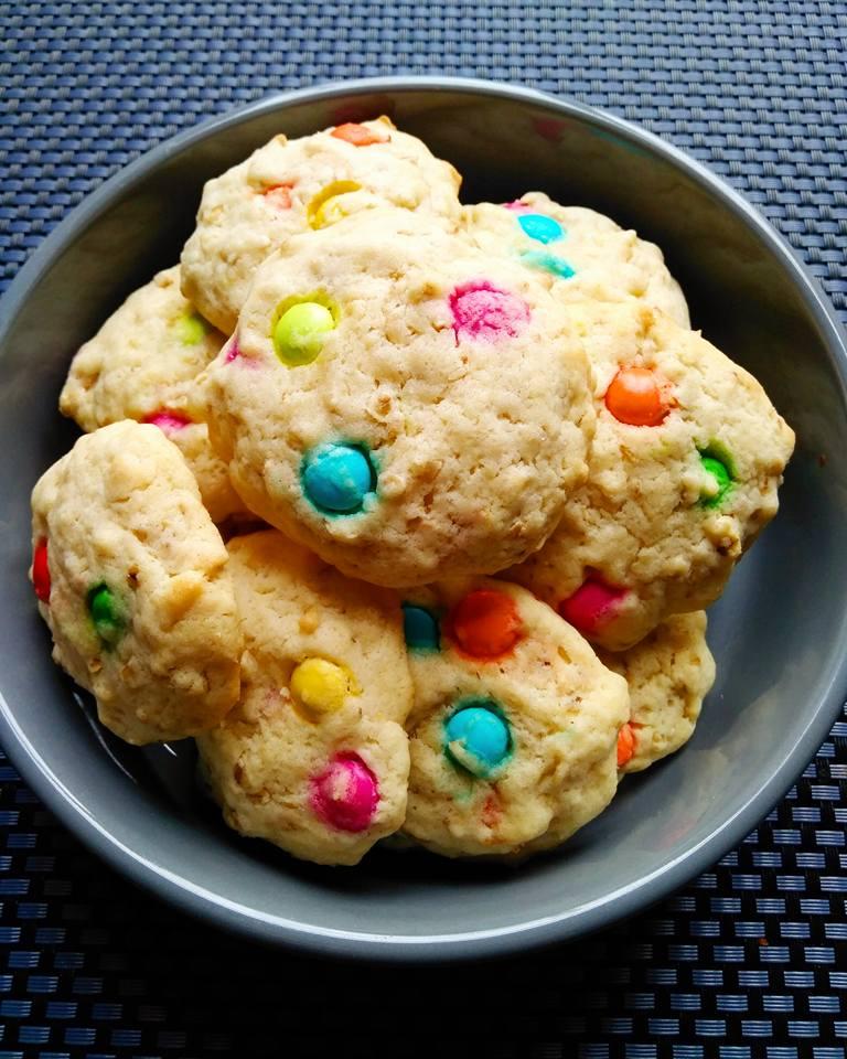 Cookies flocons d'avoine et smarties