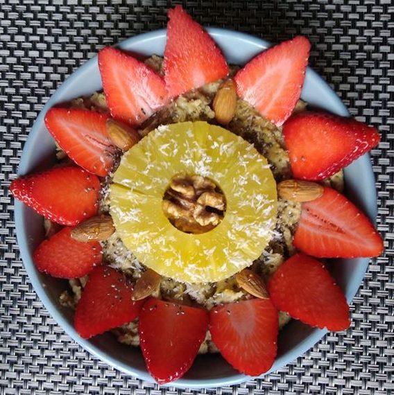 Avoinebowl fraise ananas