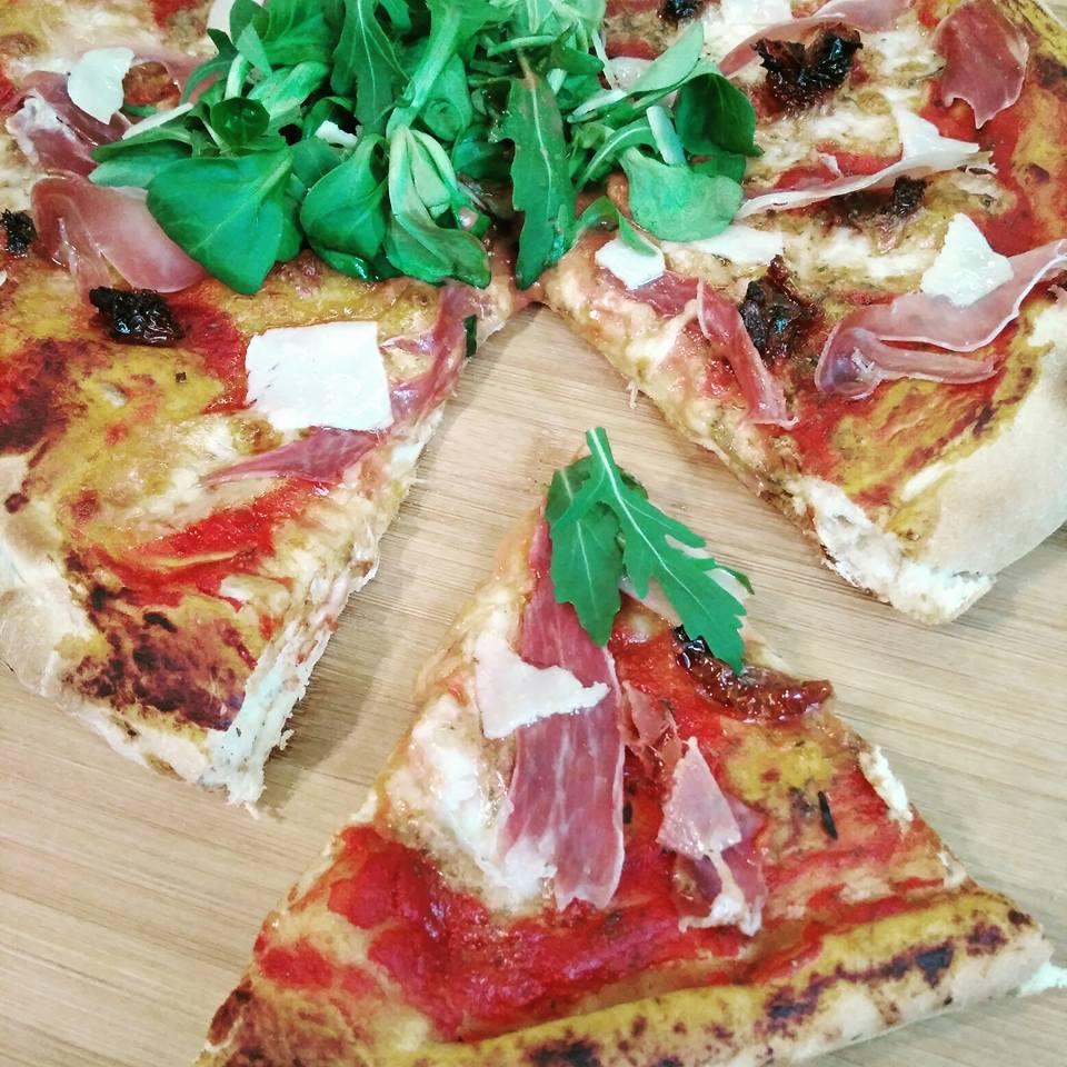 Pizza Parma à croute épaisse VIDÉO