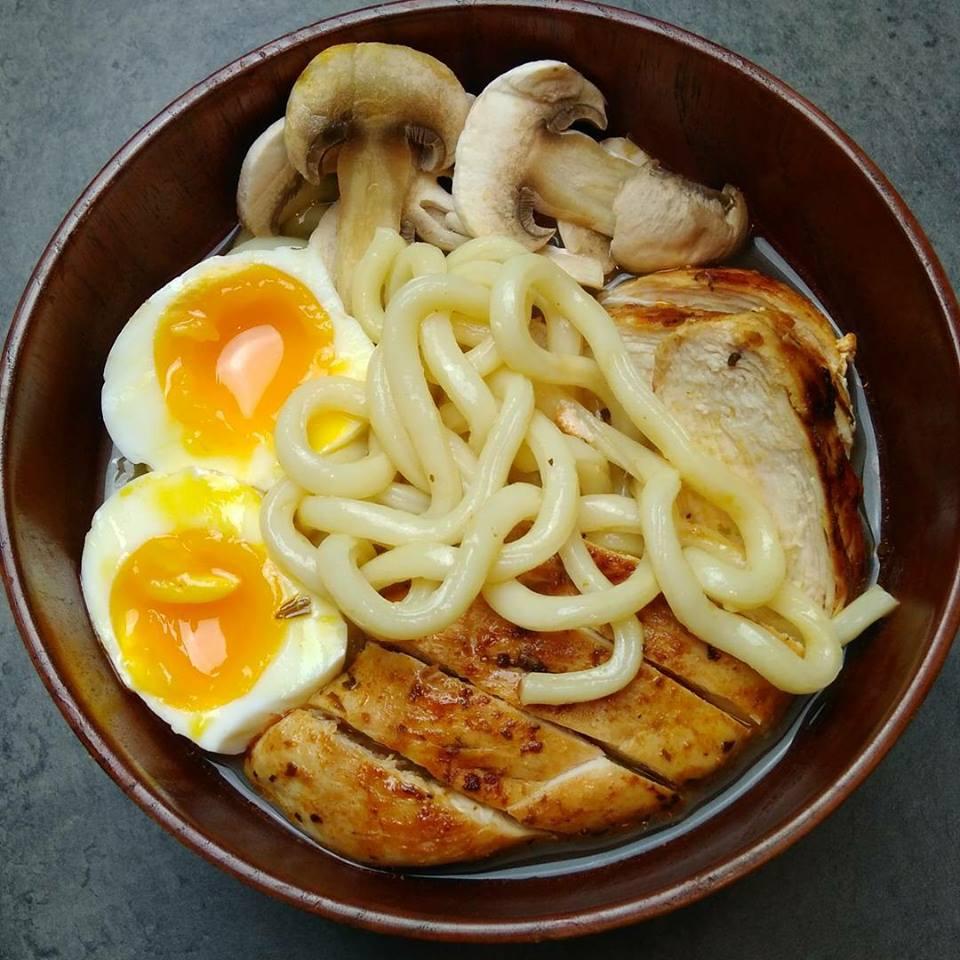 Pâte udon au poulet