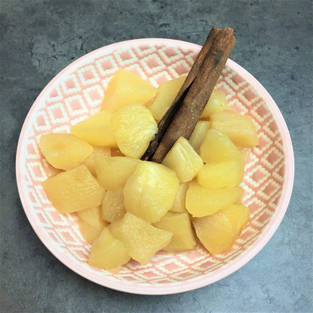Pomme fondante à la cannelle